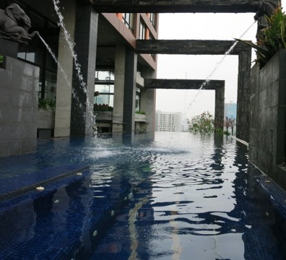Infinity pool at Siam@Siam