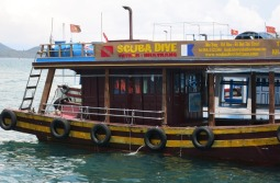 Dive boat - Nah Trang