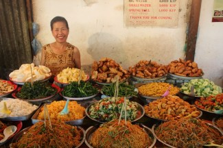 Night food market - fill your plate for less than $1.50!