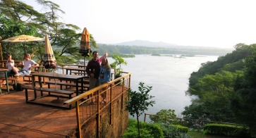The view over the River Nile from the campsite bar!