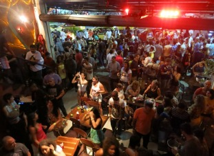 Last night with the group - partying in Lapa!